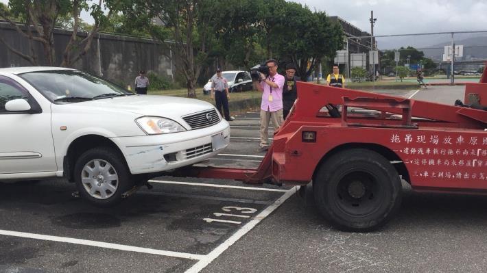 為避免荷包失血,請停放車輛於河濱公園區域之駕駛人注意新規定