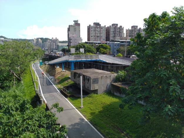 河濱公園是平時市民休憩的好地方,這次工程將可提供堤內外銜接空間,縮短市區與水岸間的距離