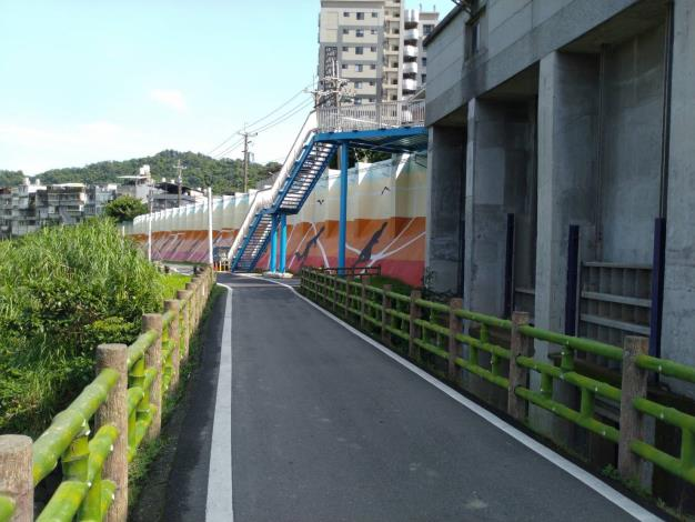 景美溪新增越堤設施,居民將能比以前更輕鬆的前往景美溪休憩活動