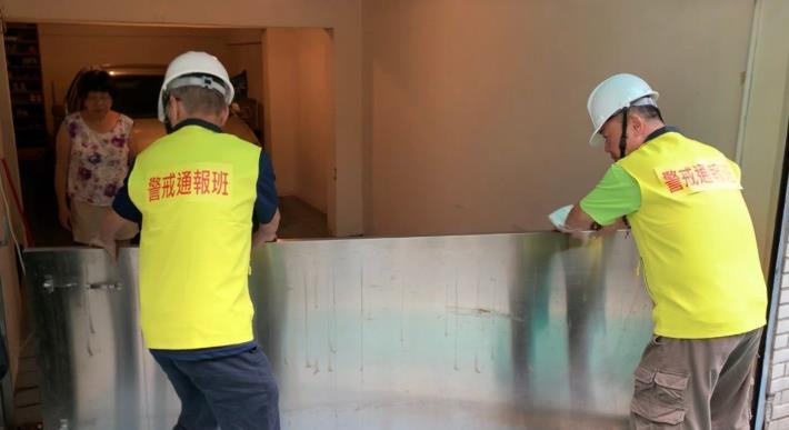 針對有意願裝設防水閘門的市民,北市民政局最高每處補助新臺幣5萬元