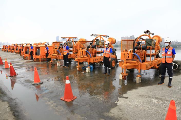 北市水利處12英吋移動式抽水機操作演練