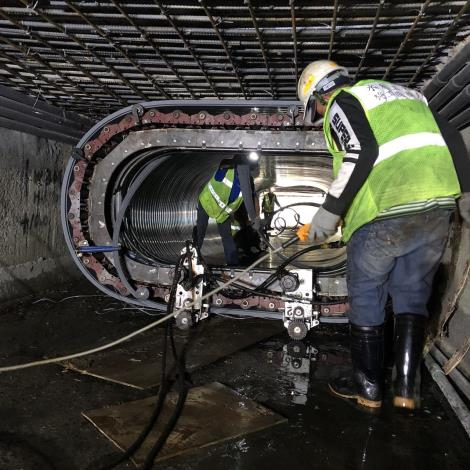 在通水的環境中正常施工,在延長下水道使用年限的成效上,依日本實際案例可延長約30-50年