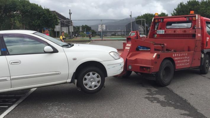 到疏散門關閉前仍未移置而遭拖吊車輛 不分車型將一律開罰2,400元