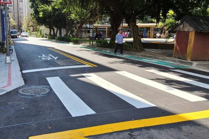 道路也重新銑刨加鋪 路面的平整度大幅提昇