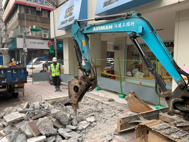 錦西街口開挖施工照片