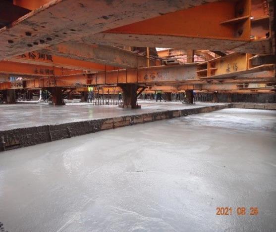 2-B1層版梁結構混凝土澆置