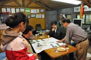 The Director will hold a conference with residents in Jing Shan Village,Shihlin District.