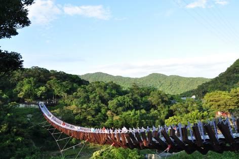 白石湖吊橋2