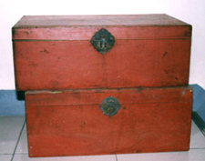 Red-painted Storage Case with Ironed Lock