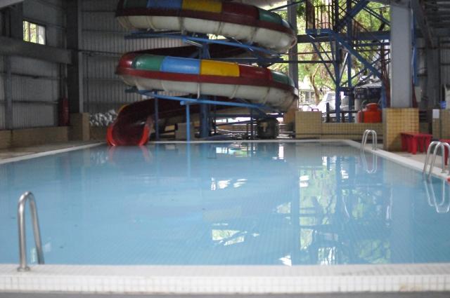 室內兒童池含滑水道(20.5M*9.5M*0.8)1座