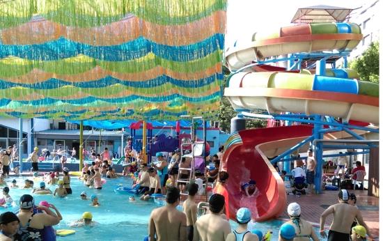 室外中池含滑水道(21*14*0.25~0.7)、室外兒童戲水池(16.7*11.3*0.7)1座