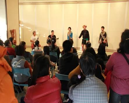 Paliulius樂團表演原住民族歌謠
