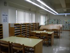 恆安3樓期刊區照片