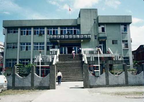 民國65年5月25日南港分館開始啟用