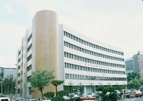 民國72年12月17日民生分館開始啟用