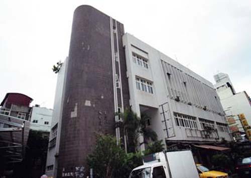 民國74年10月3日龍安民眾閱覽室開始啟用