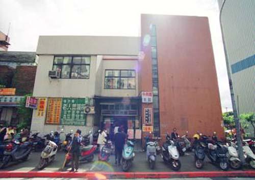 民國76年1月7日龍華民眾閱覽室遷至東新街繼續服務