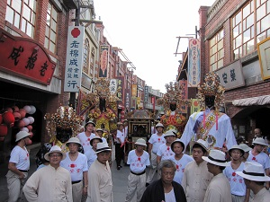 Taipei Ling-an Club features prominently in the birthday parade of Taipei Xiahai City God Temple on the 13th day of the fifth lunar month, which falls on June 28 this year. (Photo courtesy of Taipei Ling-an Club)