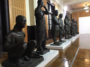 Taipei Zhongshan Hall showcases 20 vivid and life-sized sculptures of indigenous people by Taiwan's artistic master Chiu Yun. (Photo courtesy of the Department of Cultural Affairs)