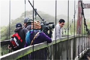 """Production crew of """"Eternal Flames,"""" a TV drama produced by a Thailand company, shoot a scene at the Yangmingshan National Park in Taipei."""