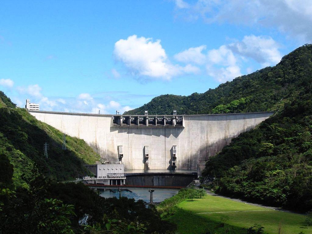水庫大壩全景