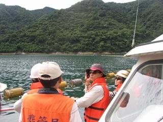 大壩安全檢查照片右中--水域邊坡檢查
