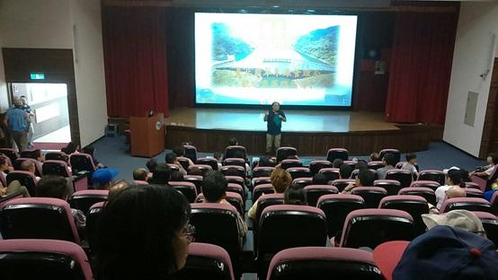 照片1:106年9月16日(週六)大臺北水源故鄉巡禮活動於簡報室提醒民眾行前注意事項。