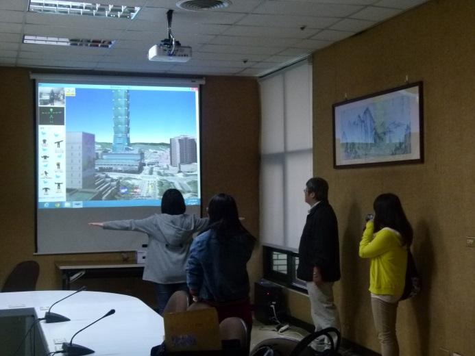 Kinect體驗區學員體驗3D臺北