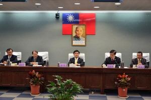 市長、黃副秘書長及陳局長與台北市地政士公會進行交流座談