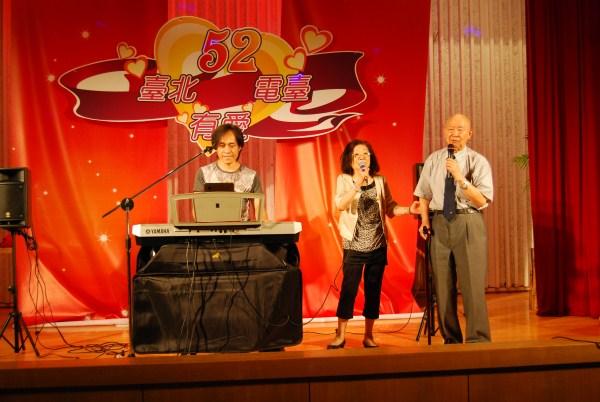 (另開視窗)劉前臺長演唱個人紀念歌曲