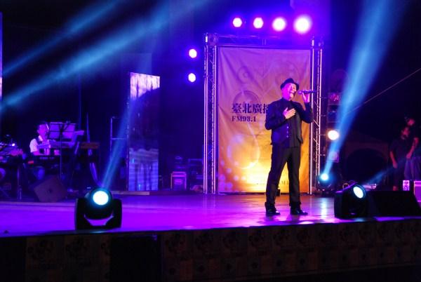 (另開視窗)本臺節目主持人李明德為電臺演唱會開唱