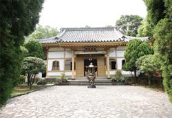 建於1905年的普濟寺是臺灣罕見的日本真言宗佛寺。