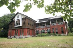 由於北投國小師生與社區居民的奔走,北投溫泉博物館重獲新生。