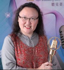 臺北廣播電臺的大家長──臺長陳慈銘,以廣播人的熱情為電臺再創新氣象。