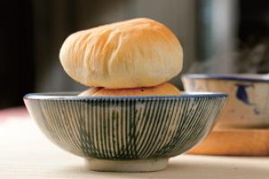 凸餅是太和餅舖最具傳統特色的糕點,Q軟綿密。