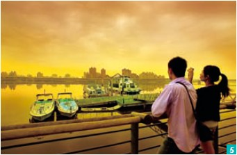 5. The sunsets over the Danshui River at Dadaocheng are lovely, and draw many romantic types.