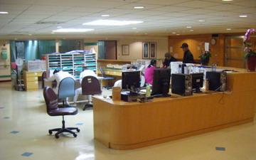 寬敞明亮的護理站