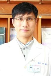 邱耀輝醫師