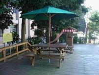 生態醫院─梭羅樹下庭園咖啡座