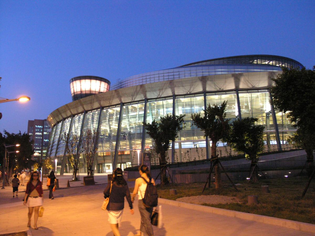 (另開視窗)台北小巨蛋夜晚