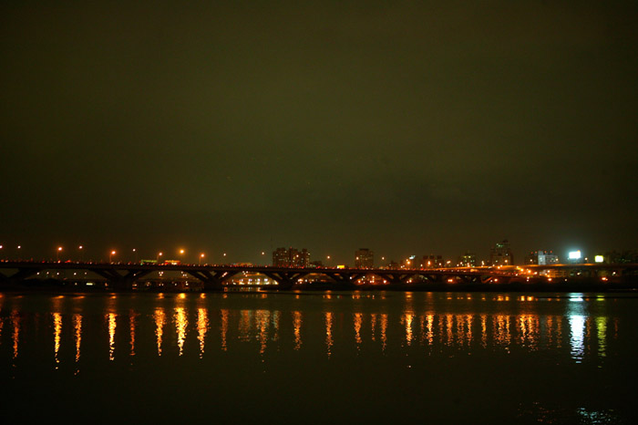 (另開視窗)2005燦爛十月風華再現,即將施放煙火的大稻埕碼頭