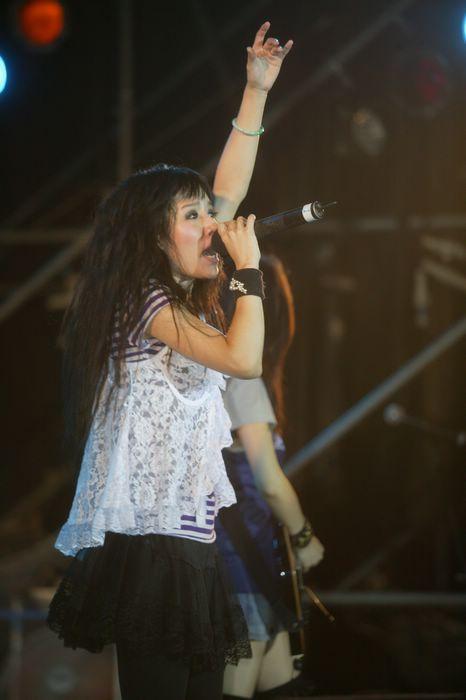 (另開視窗)2006大稻埕煙火音樂節,偶像明星演唱