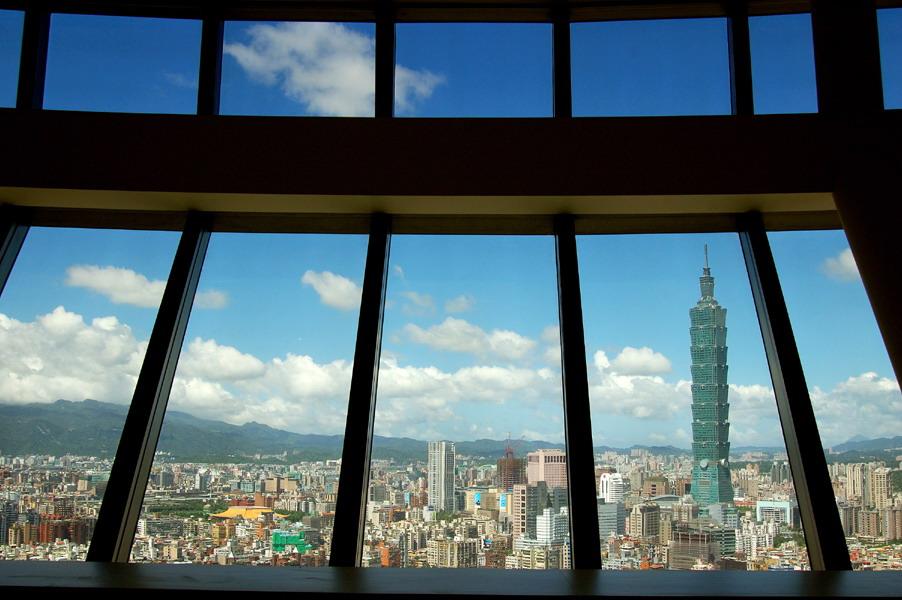 (另開視窗)入選:黃輔仁-「台北曼哈頓」