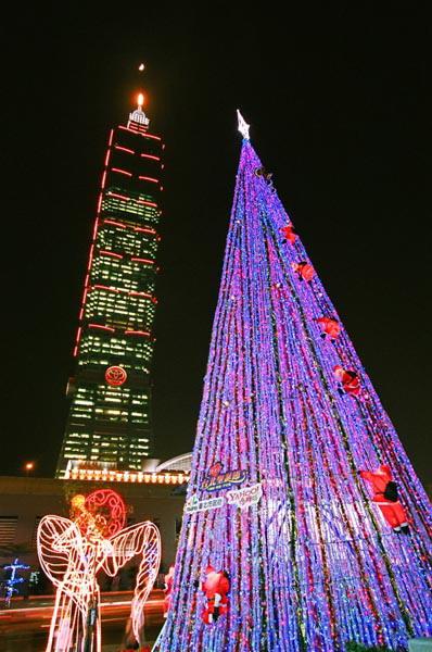 (另開視窗)入選:林文河-「在101的聖誕節」