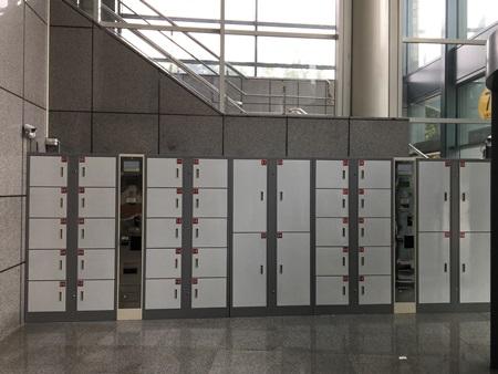臺北小巨蛋置物櫃,位於主場館6號出入口旁