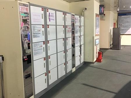 臺北小巨蛋置物櫃,位於冰上樂園場內2樓女廁旁