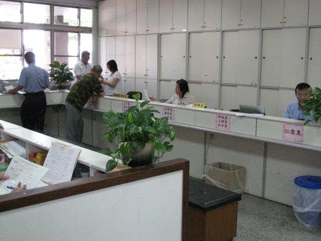 民政課里幹事開放式櫃台