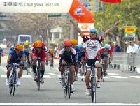 Liu Yan-jie, title holder of the men's team in the Citizen Procession Contest at the Tour de Taiwan.