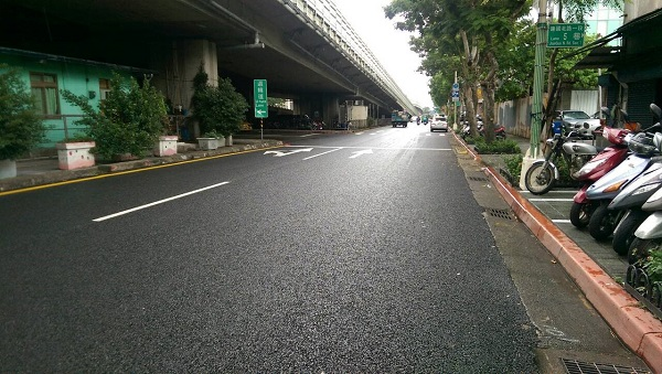 PAC pavement applied on Section 1 of Jianguo North Road of Taipei City as a trial run