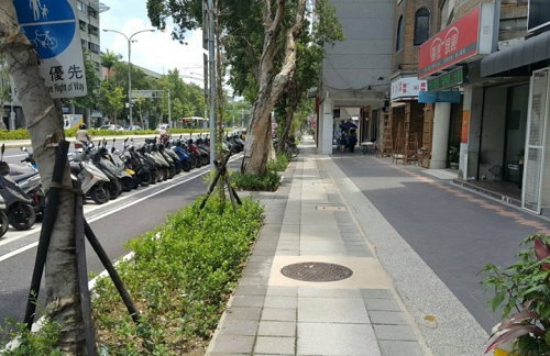 Sidewalk expansion on Xinsheng South Road Sec. 3
